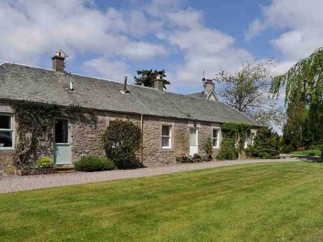 Self catering holiday cottage near Stirling
