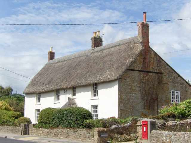 Comfortable and welcoming, thatched, detached former farmhouse