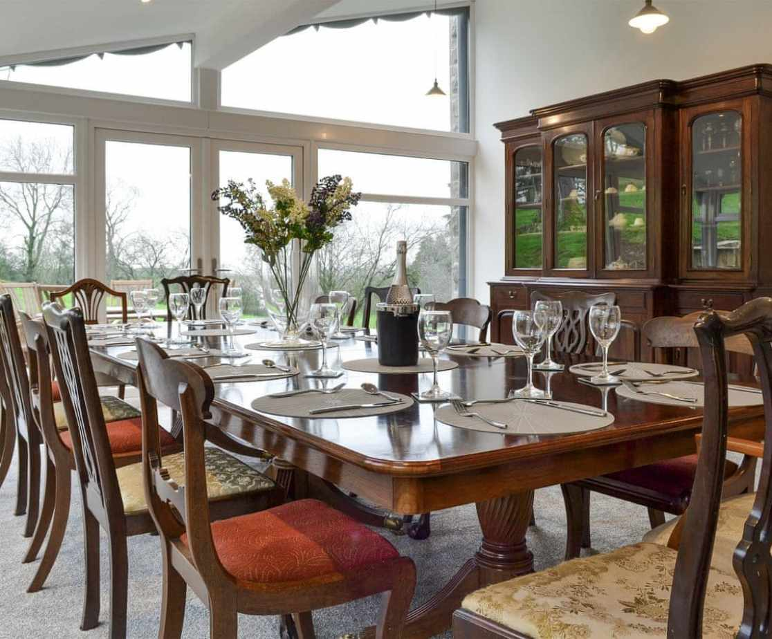 Admirable dining room/conservatory
